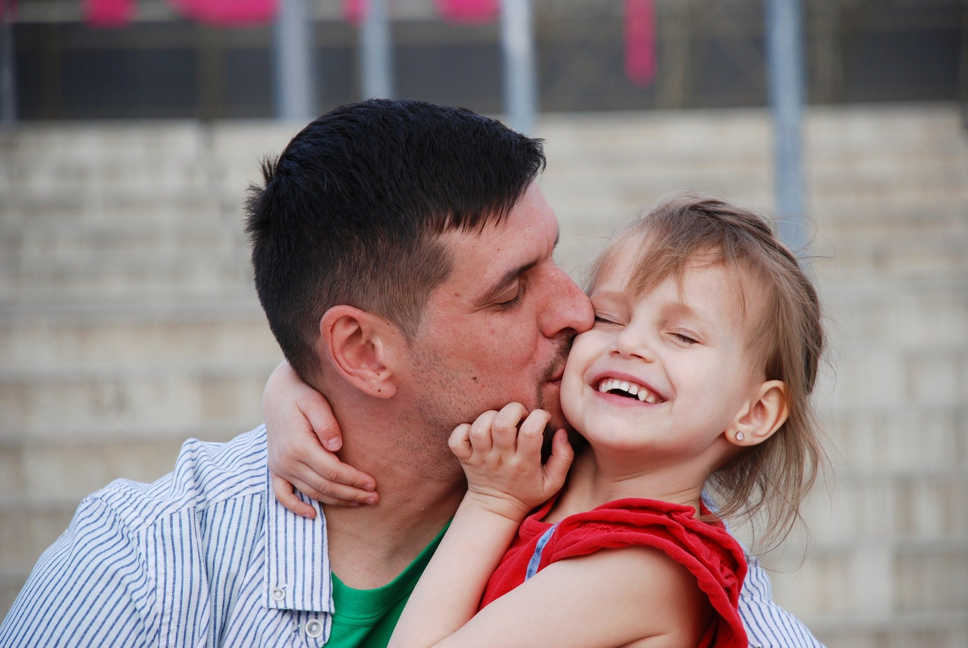 How to Boost Confidence in Kids as an Emotionally Engaged Dad